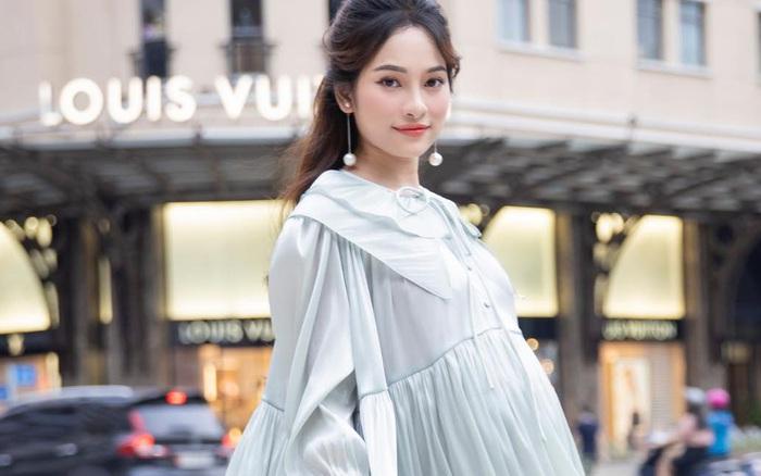 """Bất ngờ ngoại hình của Sara Lưu khi mang thai đôi 25 tuần: Tăng 12kg """"vào con không vào mẹ"""" nhưng nhìn bụng ai cũng tưởng sắp đẻ"""