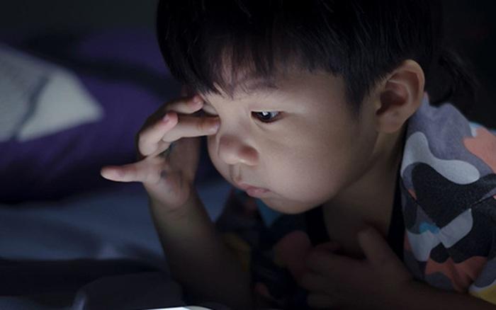 """Trẻ dùng điện thoại thông minh: Tìm đường bay cho """"chim non rời tổ"""" - kết quả xổ số tiền giang"""