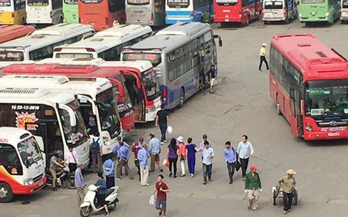 KHẨN: Hà Nội tìm kiếm 7 hành khách còn lại trên chuyến xe chở bệnh nhân Covid-19