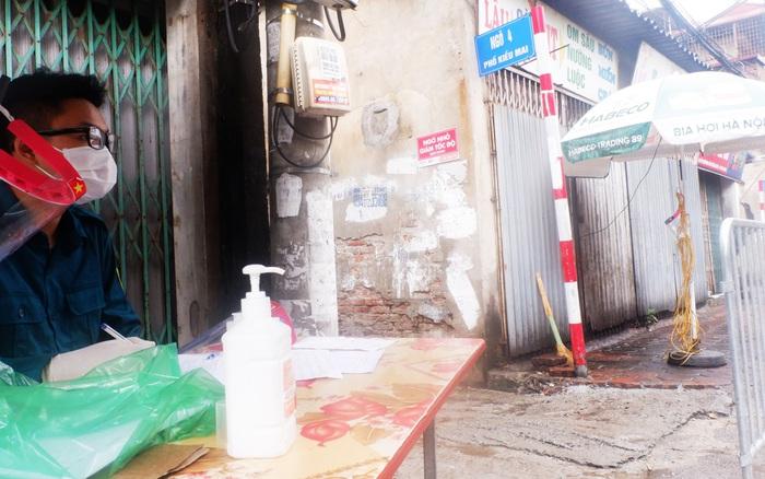 Ảnh, clip: Hà Nội phong tỏa khu dân cư nơi nhân viên xí nghiệp xe buýt mắc COVID-19 sinh sống - kết quả xổ số ninh thuận