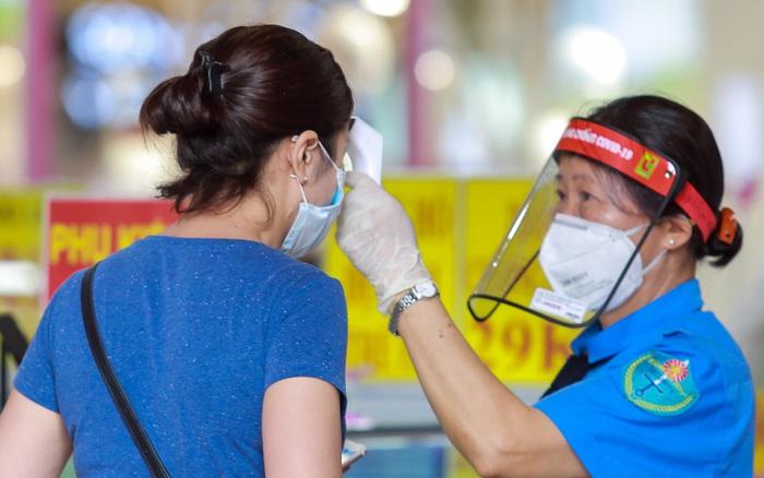 Các trung tâm thương mại, siêu thị ở Hà Nội nghiêm túc