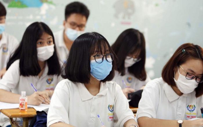 Nóng: Một tỉnh phải cho 350 thí sinh dừng thi tốt nghiệp gấp vì liên quan đến ca nhiễm Covid-19 trên địa bàn