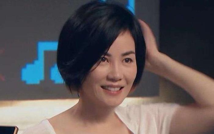 """Nhìn nhan sắc Vương Phi ở tuổi 51, công chúng mới hiểu nguyên nhân khiến Tạ Đình Phong """"yêu đi yêu lại"""" không dứt"""