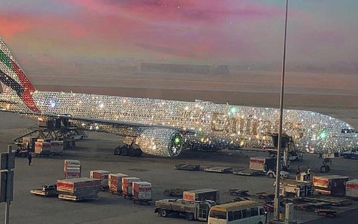 Chiếc máy bay lấp lánh cùng nội thất lung linh được hãng hàng không danh tiếng chia sẻ từng