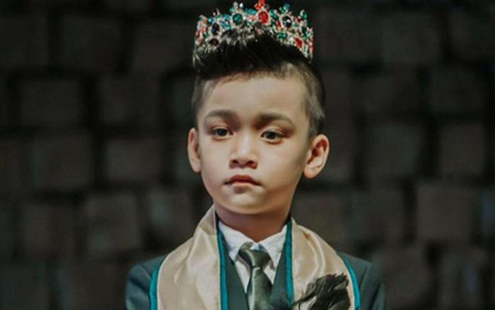 Nam vương nhí nổi tiếng showbiz Việt: Không chỉ đa tài từ khi 6 tuổi mà còn là 1 cậu bé đi đâu cũng được yêu mến
