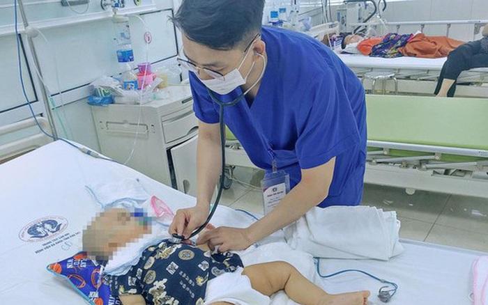 Trượt chân ngã, bé trai 11 tháng tuổi bị kéo đâm dẫn đến xuất huyết não