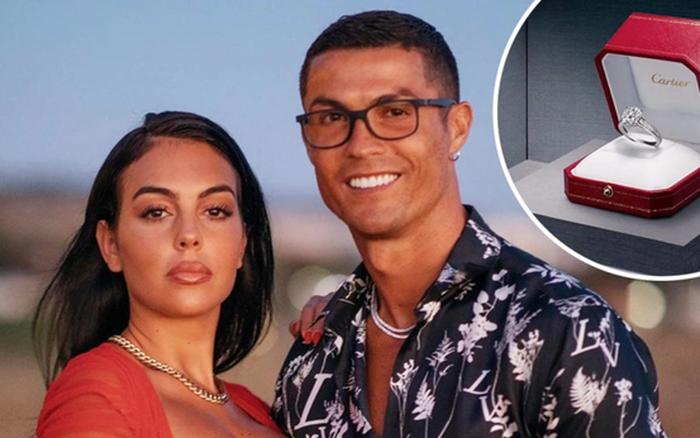 Cristiano Ronaldo tặng bạn gái siêu mẫu chiếc nhẫn cầu hôn trị giá 18 tỷ đồng, khủng nhất trong giới bóng đá
