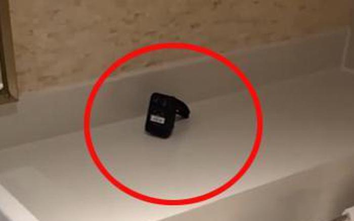 Cặp vợ chồng bị quay lén trong phòng tắm khách sạn 5 sao, quản lý biết chuyện liền đem... bánh Trung thu bồi thường cùng lời giải thích khó nghe