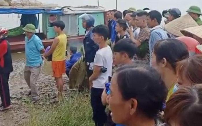 Vụ tài xế xe tải lao xuống sông cứu cô gái khiến 2 người bị nước cuốn mất tích: Tìm thấy thi thể 2 nạn nhân