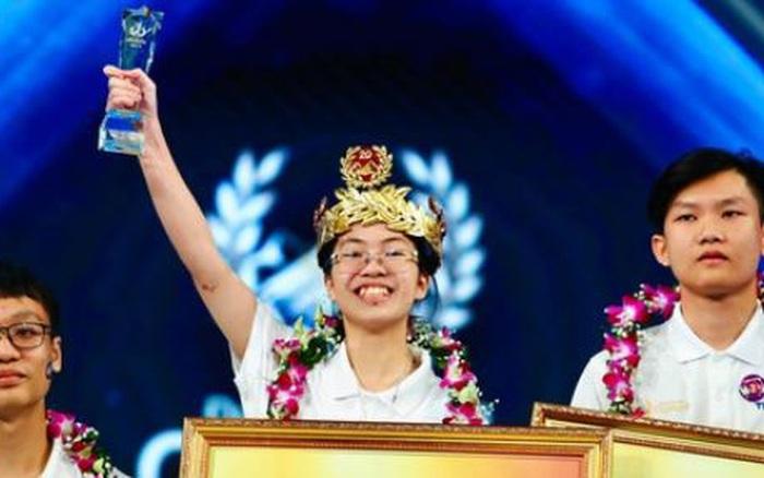Đạt 235 điểm, cô gái duy nhất trong chương trình giành vòng nguyệt quế Đường lên đỉnh Olympia, trước đó đã nói 1 câu cực