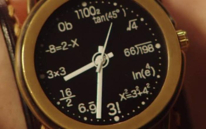 Chỉ là chiếc đồng hồ để xem giờ thôi mà ai nhìn vào cũng toát mồ hôi hột thốt lên: Đúng là đồng hồ của dân chuyên toán