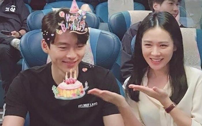 Clip Son Ye Jin hát mừng sinh nhật Hyun Bin bất ngờ hot trở lại, còn được đạo diễn phim tiếp tay gán ghép