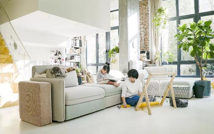 Cặp vợ chồng trẻ mua căn hộ giá rẻ, sau khi cải tạo khiến hàng xóm tiếc hùi hụi vì không thua kém gì căn hộ cao cấp