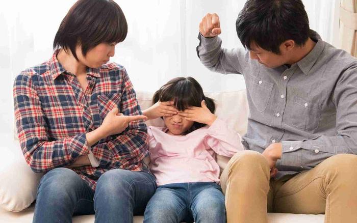 Đừng thắc mắc sao con ngày càng không được như kỳ vọng, vì cha mẹ vẫn đang làm việc tai hại này với con