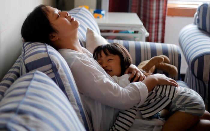 Những thói quen tài chính cần học khi bạn là các ông bố, bà mẹ đơn thân