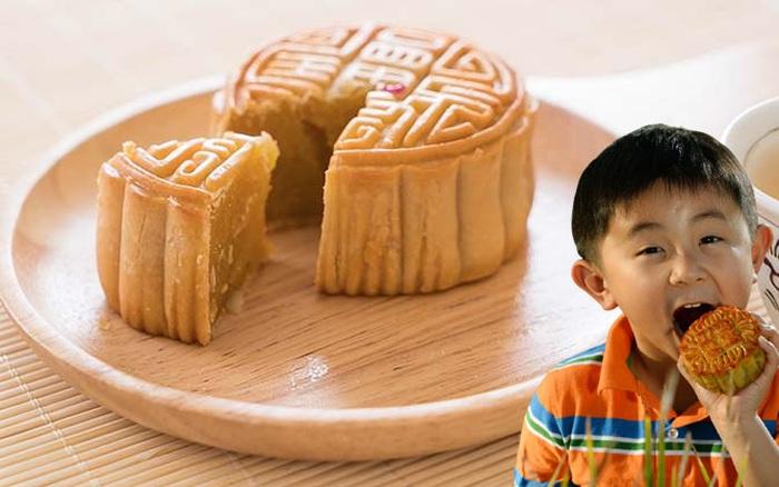 Dù con có thích đến mấy cũng không nên cho trẻ ăn quá lượng bánh trung thu này mỗi lần