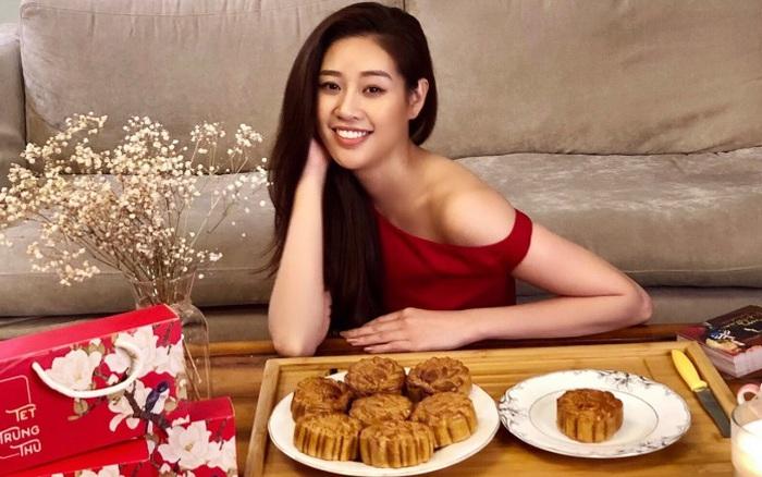 Hoa hậu Khánh Vân lần đầu vào bếp làm bánh Trung thu tặng bạn bè, người thân