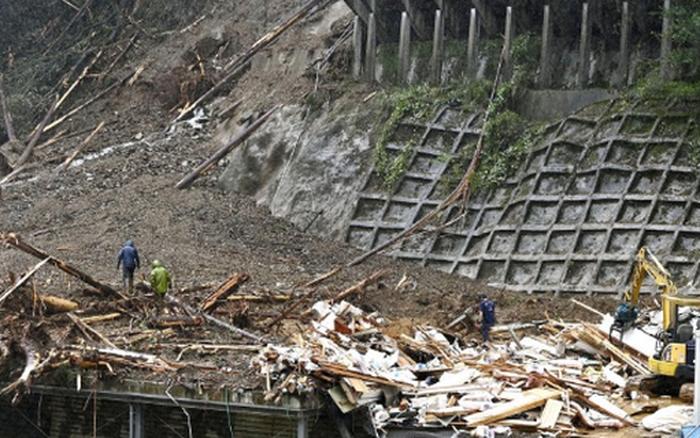 Khẩn trương tìm kiếm hai thực tập sinh người Việt mất tích trong bão Haishen
