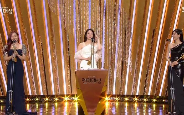 Cuộc chiến thượng lưu: Lee Ji Ah - Kim So Yeon - Eugene