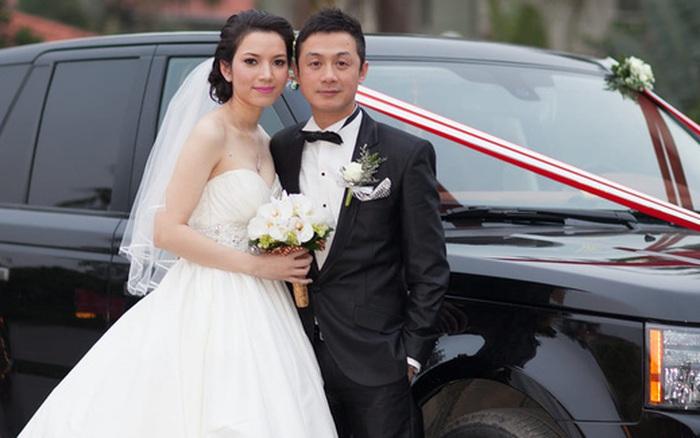 MC Anh Tuấn khoe ảnh kỷ niệm ngày cưới với bà xã kém 14 tuổi được dân tình khen tới tấp: Đây là 2 người bị thời gian bỏ quên hay sao?