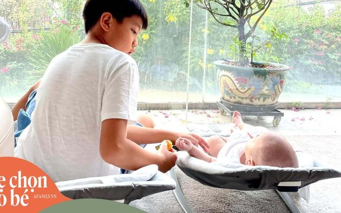 Hồ Ngọc Hà khoe khoảnh khắc cực tình cảm của 2 con, nhưng các mẹ bỉm sữa lại tò mò về một chi tiết khác có giá gần 2 triệu đồng