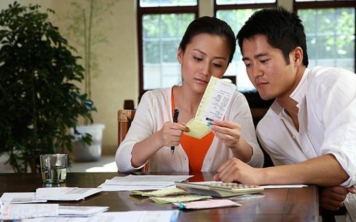 Biếu Tết nhà chồng bao nhiêu là đủ và cách giải quyết tốt nhất để đẹp lòng cả hai bên gia đình