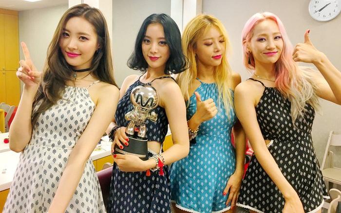 4 nhóm nữ nhà JYP đều mê diện váy ngắn nhưng style khác biệt hoàn toàn: Twice mê thanh lịch, đến ITZY lại chuộng cá tính