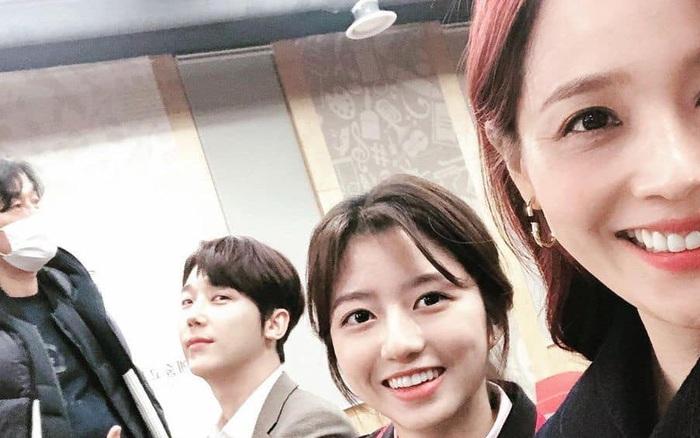 Cuộc chiến thượng lưu: Lộ phần 2, Oh Yoon Hee thoát chết trở về đoàn tụ với Ro Na, còn lấy chồng cũ của Seo Jin?