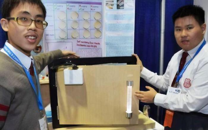 Sinh viên Trung Quốc phát minh ra tay nắm cửa tự khử trùng bằng tia cực tím