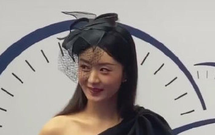 Triệu Lệ Dĩnh khiến netizen bất ngờ với hàng loạt điểm trừ về nhan sắc sau thời gian ở cữ