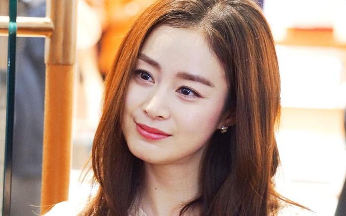 """Sau 3 năm """"bận"""" sinh con cho Bi Rain, Kim Tae Hee chuẩn bị quay lại đóng phim"""