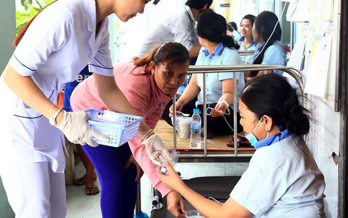 TP.HCM: 48 công nhân nhập viện cấp cứu vì nôn ói, tiêu chảy sau bữa ăn tại ...