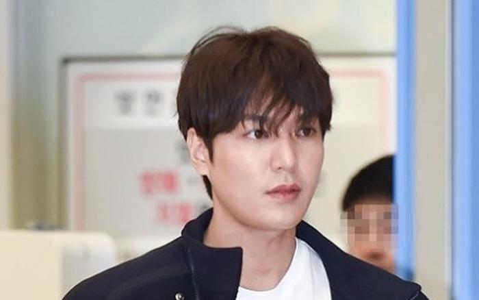 Sau khi táo bạo khoe vòng 3 gợi cảm, Lee Min Ho lại trở về hình ảnh bạch mã vạn người ...