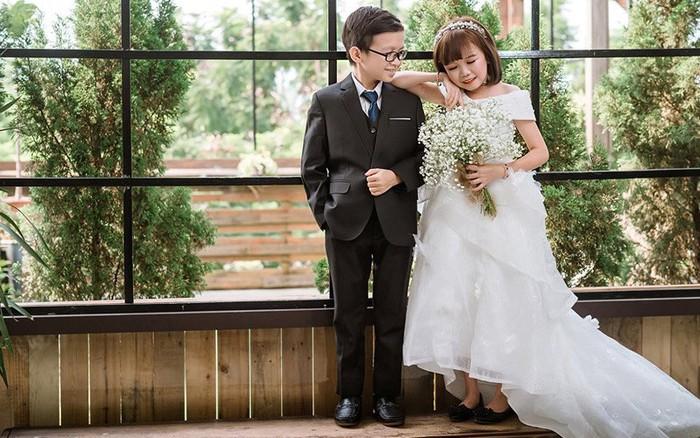 """""""Cặp đôi tí hon"""" khoe bộ ảnh cưới tình tứ, tiết lộ đã về sống chung và ..."""