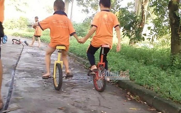 Theo khóa học xiếc tại Tâm Việt, trẻ suýt chấn thương sọ não, sốt nằm co ro ...