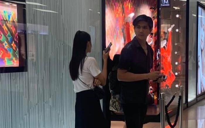 """Cặp đôi gây """"mệt mỏi"""" Tim - Trương Quỳnh Anh lộ ảnh đi Thái Lan mua sắm ..."""
