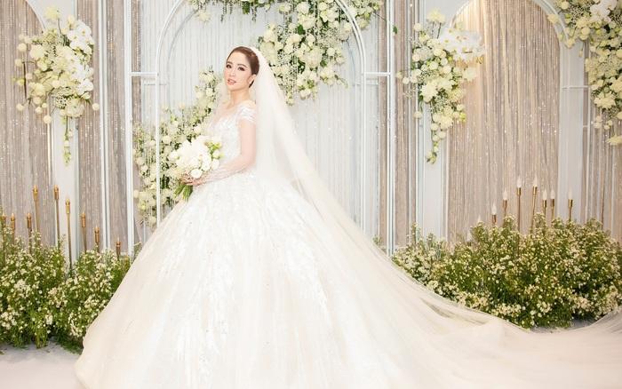 Trọn bộ khoảnh khắc cô dâu Bảo Thy đẹp lộng lẫy với những bộ váy cưới trong ngày ...