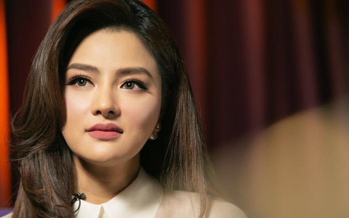 Vũ Thu Phương bật khóc nhận đã gọt hàm,  sống với chồng đại gia Campuchia và ...