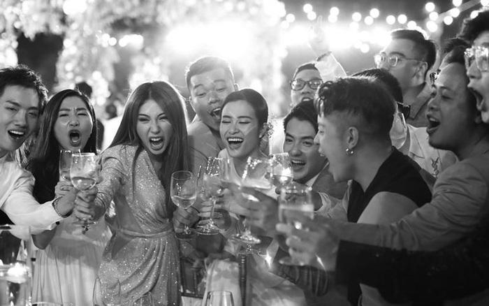 Những thước hình chưa từng hé lộ trong lễ cưới Đông Nhi - Ông Cao ...