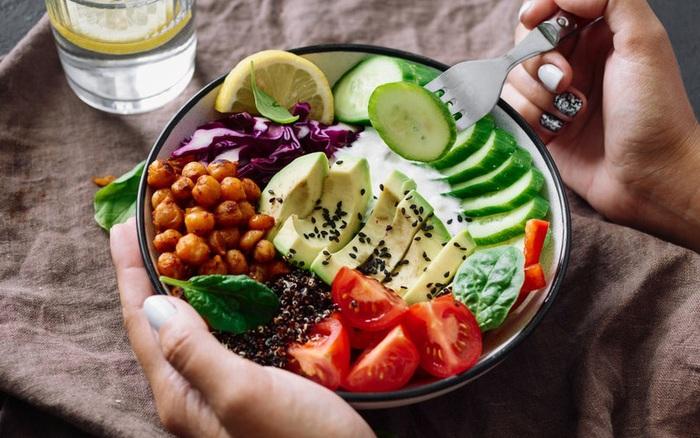Ăn kiêng khi mắc sỏi mật có làm bệnh nặng thêm không: ...