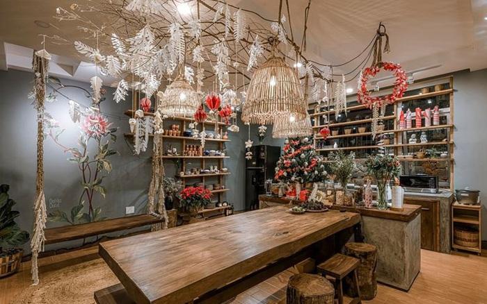 Biệt thự decor đón Giáng sinh đẹp lung linh như trong cổ tích