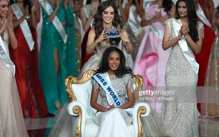 Miss World 2019 đăng quang vớii mái tóc rối bời