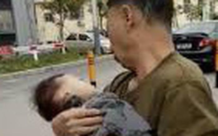 Cậu bé 2 tuổi đã chết vì cha bé thực hiện một động tác sai ...
