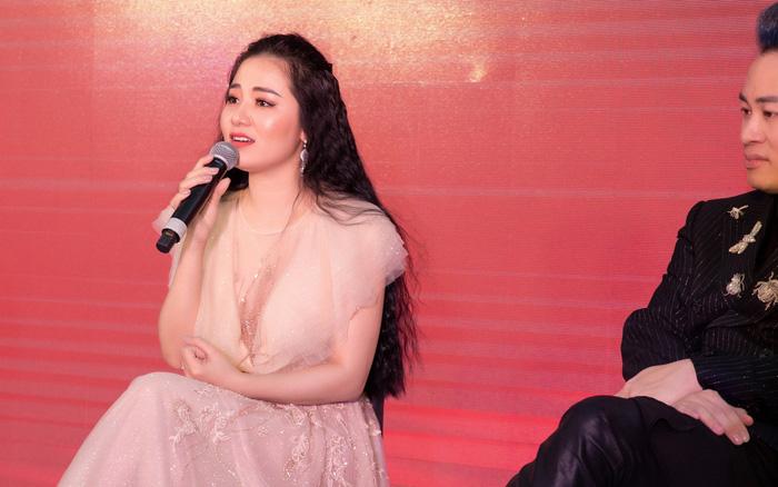 Dương Cầm đưa vợ con đi sự kiện, Tùng Dương không sợ bà xã ghen khi ...