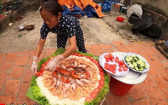 Bà Tân Vlog làm món cơm hải sản siêu to khổng lồ