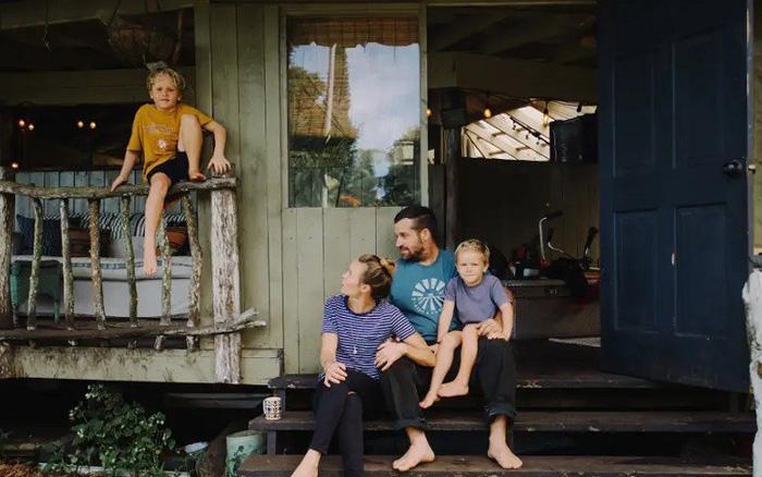 Ngôi nhà Hawaii mộc mạc gây thương nhớ vì được xây dựng bằng ...