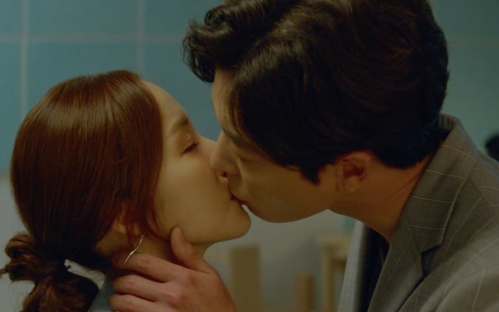 Hôn trai đẹp đầy cuồng nhiệt, rating phim của Park Min Young vẫn thấp thảm hại