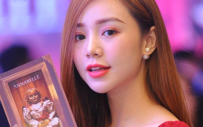 """""""Em gái mưa"""" Quỳnh Kool khoe nhan sắc xinh hơn phim tại sự kiện"""