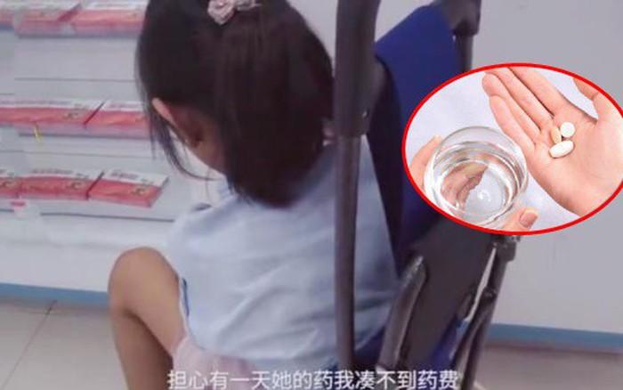 Bé gái 8 tuổi phải uống thuốc trị rối loạn cương dương suốt 5 năm, mẹ rớt nước mắt tiết lộ ...