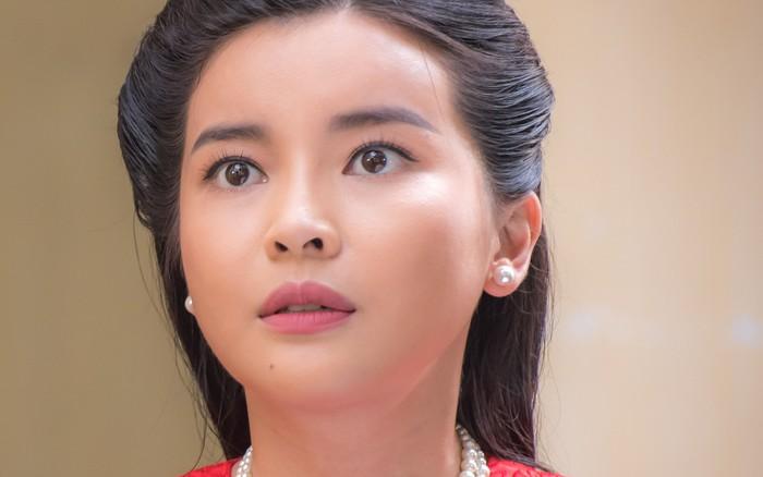 """Đôi mắt trợn trừng của Cao Thái Hà gây ám ảnh cho fan """"Tiếng sét trong ..."""